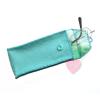 Schönes Etui aus türkisem Wollfilz mit niedlichem Webband - für Brille, Stifte oder Stricknadeln Vorderansicht