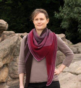 Rosy Green Wool Anleitung - Tuch Drachenfels