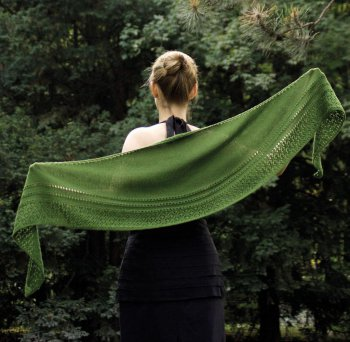 Rosy Green Wool Anleitung - Tuch Lorien