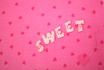 """Buchstabenhits für Kids 18mm - 2-Loch Knopf  """"W """" Beispielbild  """"Sweet """""""
