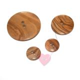 2-Loch Holzknopf glatt, rund - in 3 Größen erhältlich